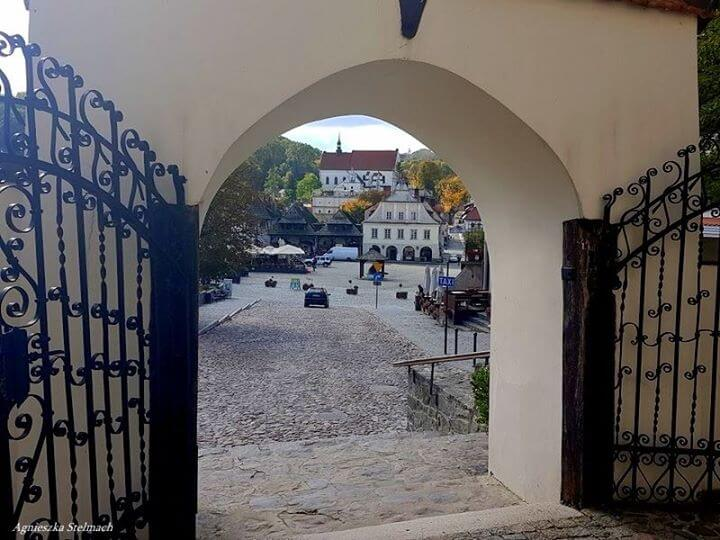 Kazimierz Dolny w swojej najpiękniejszej jesiennej odsłonie zaprasza miłych gości na długie spacery i…