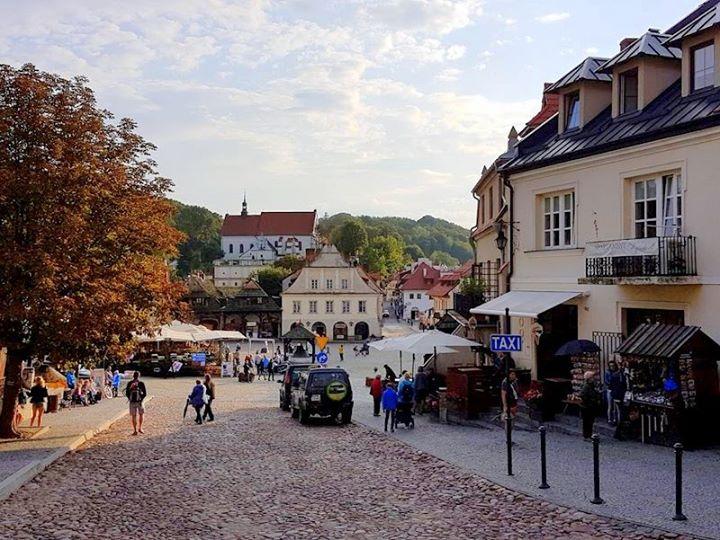 Najbliższy sobotni wieczór, 26 sierpnia, upłynie w Kazimierzu Dolnym pod znakiem wydarzeń muzyczno-kulturalnych. O…