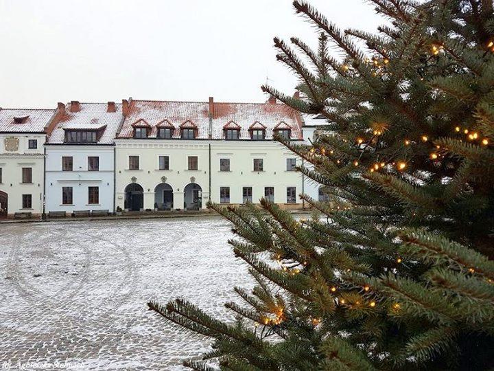 Kazimierz Dolny życzy wszystkim zdrowych, spokojnych i radosnych świąt Bożego Narodzenia!