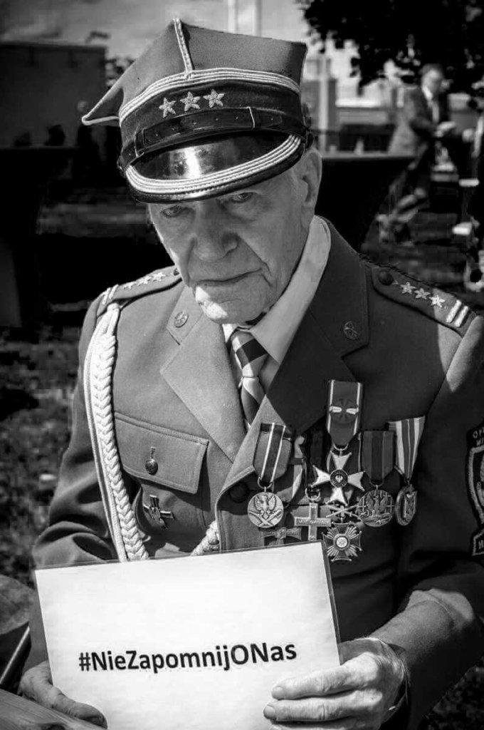 Z głębokim bólem zawiadamiamy, że dziś nad ranem () w wieku 103 lat odszedł…