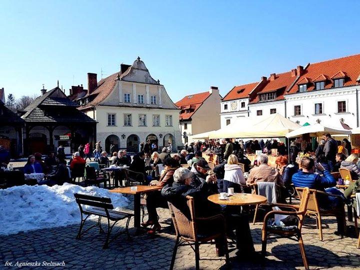 Spójrzcie, jak wyglądała słoneczna Niedziela Palmowa w Kazimierzu :) #ilovekazimierz Więcej zdjęć na naszym…
