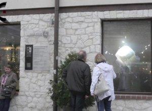 Hologram promujący wystawę polskiej biżuterii patriotycznej w Kazimierzu Dolnym
