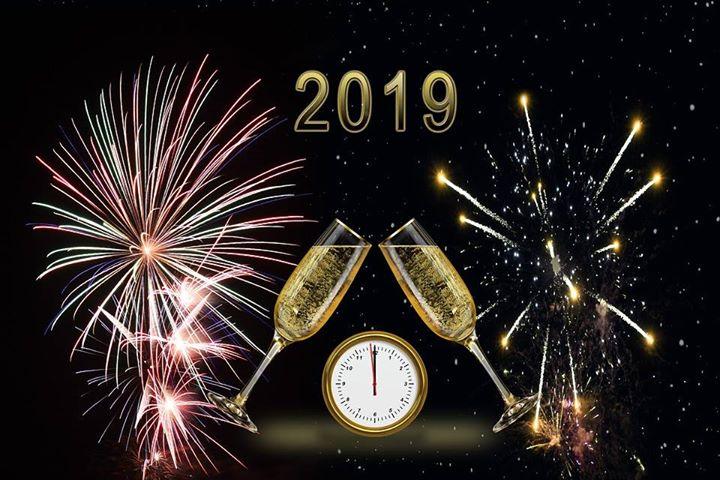 Kazimierz Dolny życzy wszystkim szczęścia i wszelkiej pomyślności w Nowym Roku!